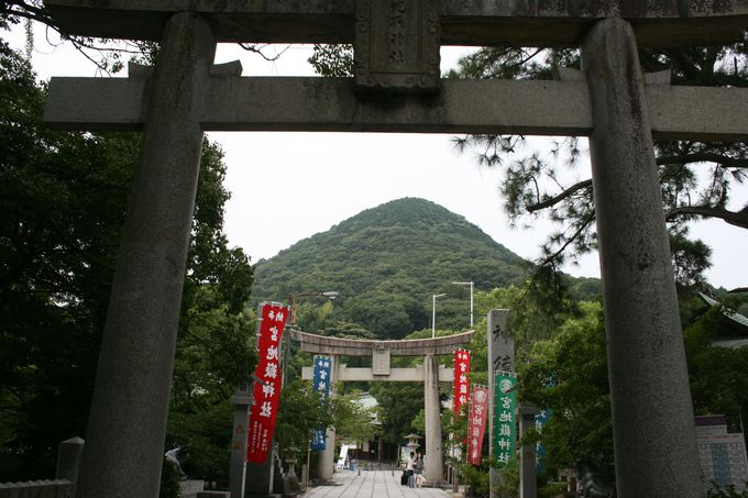 「宮地嶽神社」は開運・商売繁昌の神様として有名