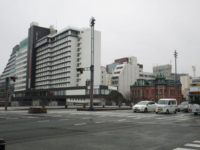 福岡市の中心地・天神地区から徒歩5〜6分の好立地