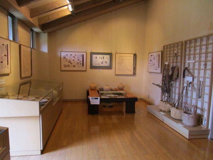 技術や技法を紹介する「展示室2」、窯元の代表作を展示する「展示室3」