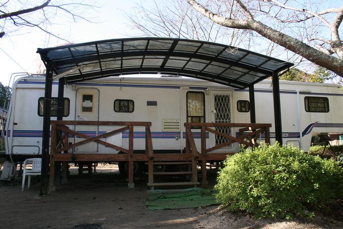 アメリカの本格的なキャンピングカーに泊まれる「ガーデンホーム」