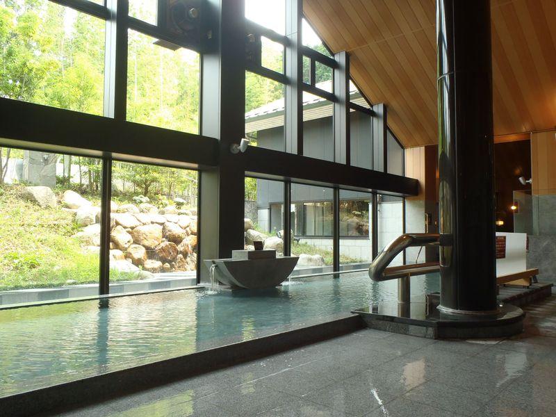 宗像王丸・天然温泉「やまつばさ」の温泉は美肌の二大効果を実感する上質湯!