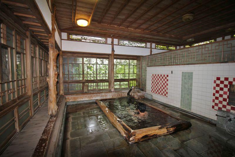 伊豆・峰温泉「花舞 竹の庄」〜古き良き日本への郷愁を感じる温泉宿