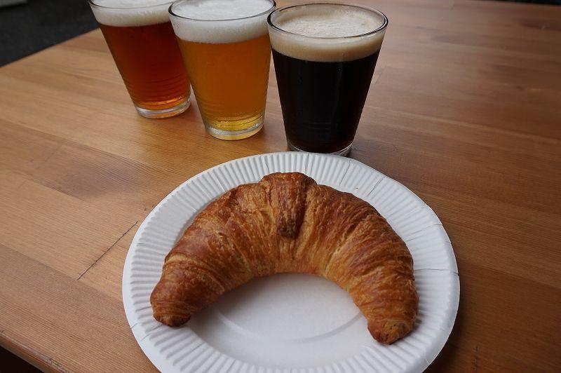 「やきたてパン工房」のパンが絶品!ビールのおつまみにも合う