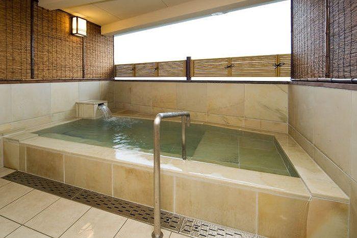 貸切家族風呂で新鮮な一番風呂を堪能!九州温泉道にも選ばれた上質湯