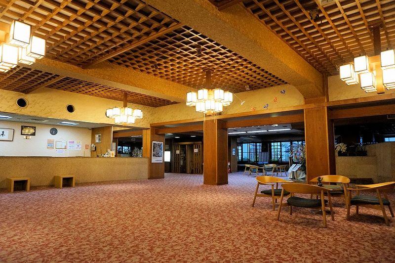 「雨情の湯 森秋」は明治元年創業の老舗宿。選択肢の多い宿泊プランも利点
