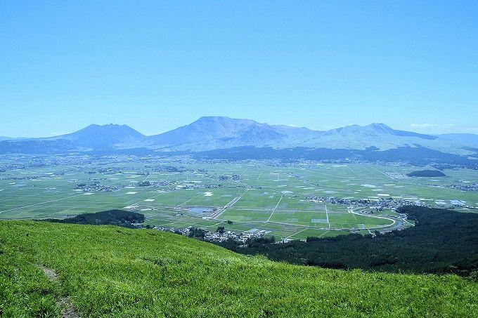 阿蘇の絶景スポット「大観峰」は新緑の季節が美しい!
