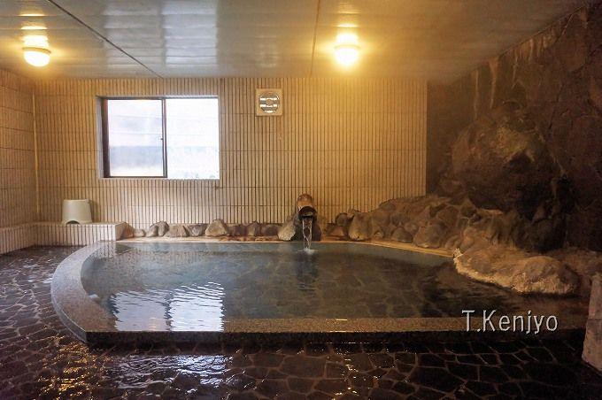 館内の大浴場は使い勝手便利。柏屋旅館はあらゆる人におすすめしたい名湯