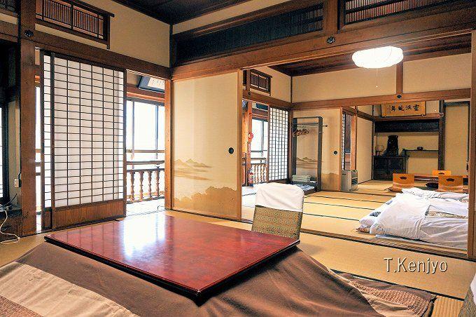 宿泊は一日四組まで。客室は古き良き日本建築を好む方におすすめ。