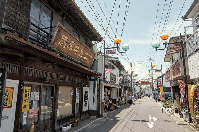 昭和30年代が再現された商店街「昭和の町」。レトロ風情を堪能しよう!