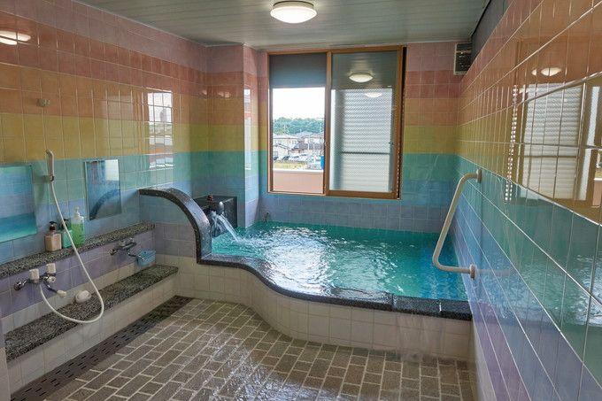 「新青山荘」は、温泉通絶賛のフレッシュなぬる湯