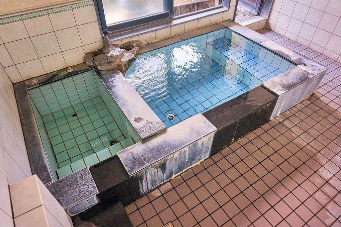 「山伏」は高低温の二源泉所有。温冷交互浴でリフレッシュ!
