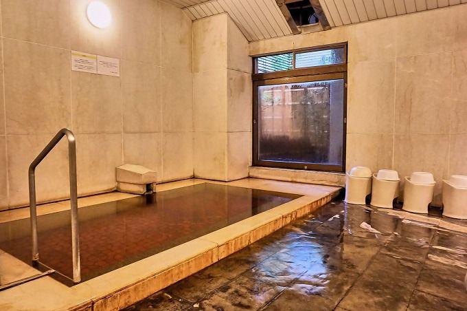 自家源泉100%かけ流しの大浴場は、有名温泉地の名湯に匹敵する良泉