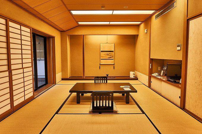 露天風呂付き和室で、優雅な一時を