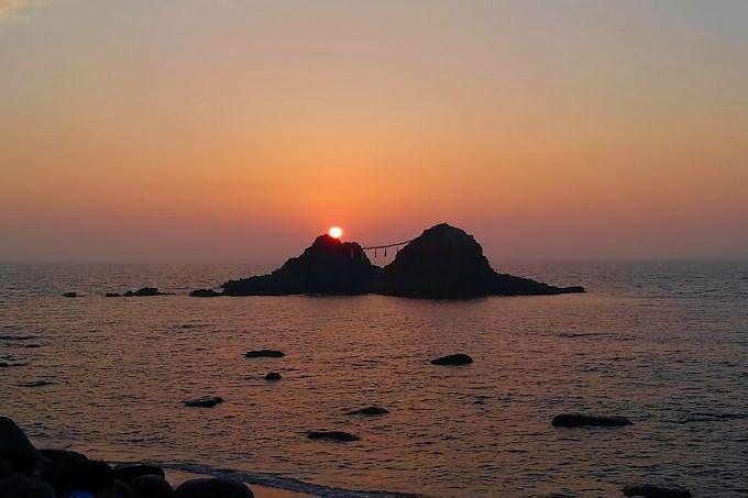 スマホでもお手軽に撮れます!「桜井二見ヶ浦」の夕日