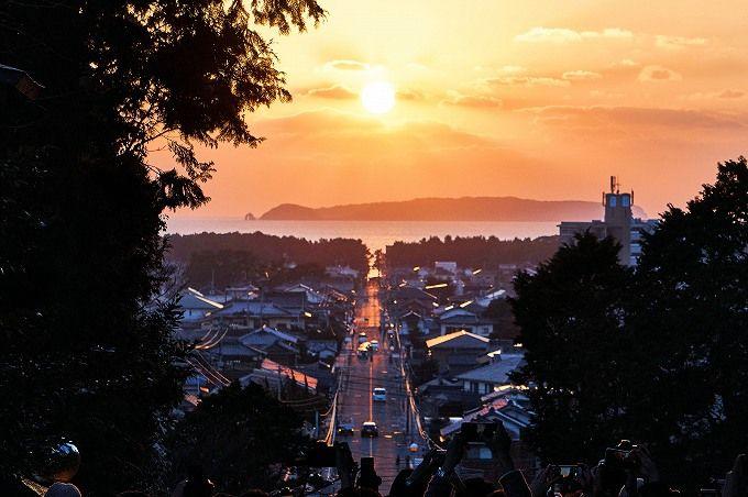 嵐CMの絶景!福岡・宮地嶽神社「光の道」2019春の見頃は?
