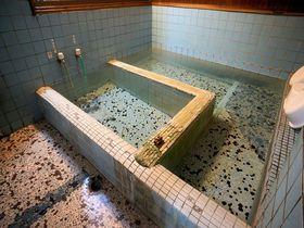 群馬・松の湯温泉「松渓館」は1日1組限定!ぬる湯が名物のハイコスパ宿