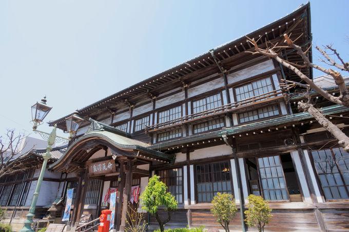 ゲストハウス松亀荘の周辺は、ご当地グルメ&温泉の宝庫