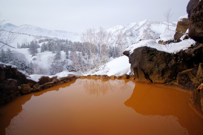 天空にせり出す雪見露天風呂に感激!
