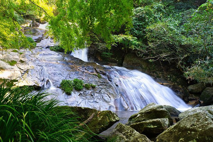 糸島の秘境「明神の滝」は穴場の観光地!