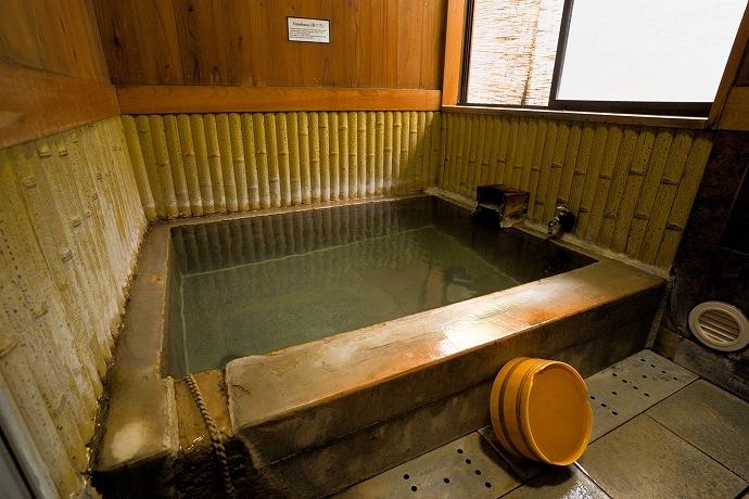 源泉かけ流しの3つの貸切風呂が人気!