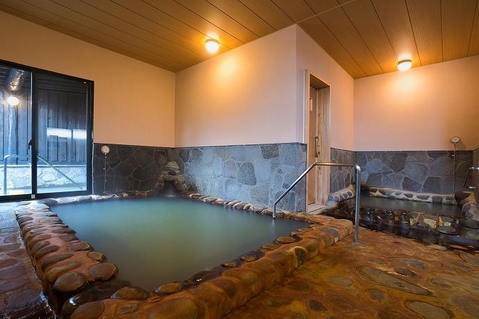 西日本屈指の名湯を、源泉100%かけ流しで堪能
