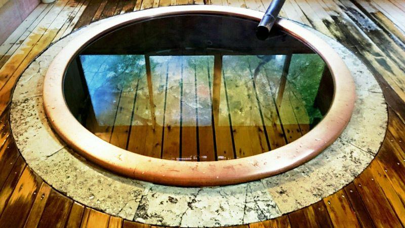 「箱根塔之沢温泉 福住楼」で小田急ロマンスカー広告の丸風呂に入る
