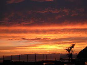 青森「浅虫温泉 宿屋つばき」は陸奥湾の夕焼けが美しい!