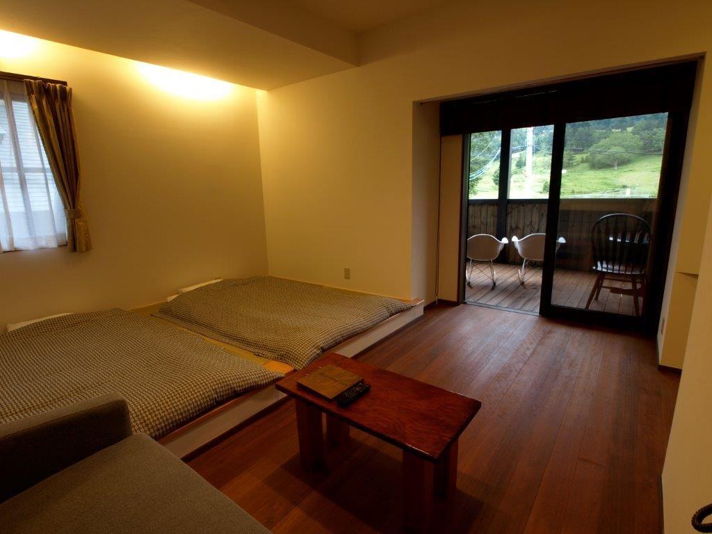 色んなタイプの部屋を楽しめる奥山田温泉レッドウッドイン