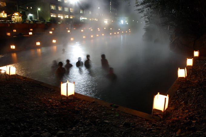 夏も冬も開放感たっぷりの河原風呂でさっぱりしっとり!