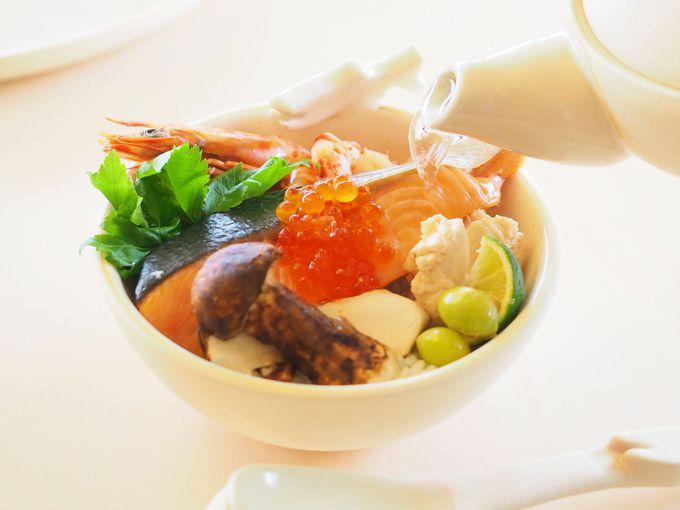 究極の鮭茶漬けで英気を養ったあとは、鮭SUPを楽しもう!