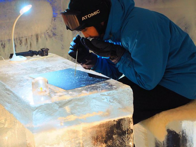 大人も子供にかえってしまう体験施設「氷のGAO(ガオ)」も