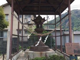 広島・可部のシンボル!鋳物のまちの歴史を語る大きな「鉄燈籠」