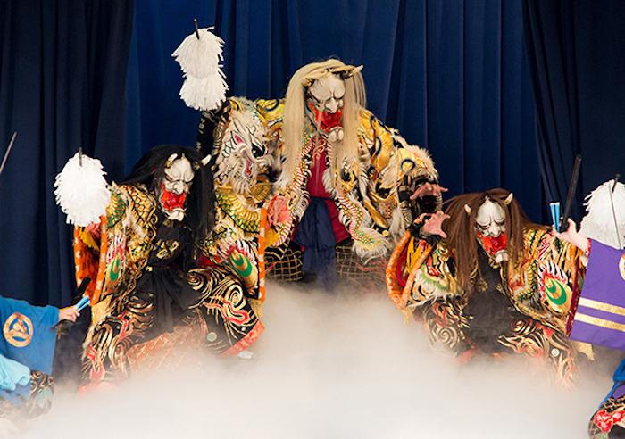 週末の夜神楽がアツい!広島・安芸高田市「神楽門前湯治村」