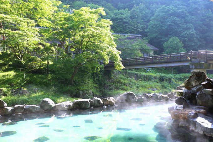 大沢温泉といえば、豊沢川を眺めながら入浴できるこの大沢の湯!!