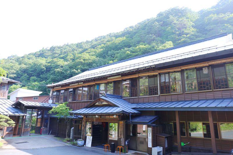 大沢温泉は3つの湯宿、7ヶ所の温泉が楽しめる、湯めぐりの里です。