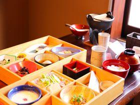 朝食自慢の宿、木曽福島温泉「山みず季URARAつたや」