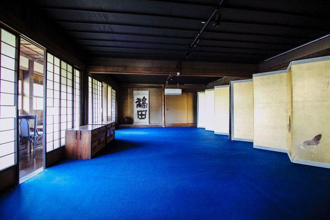 主屋2階の大広間は企画展に使用