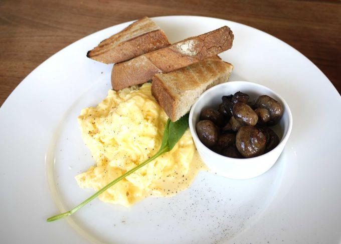 これが「世界一の朝食」!生クリームを混ぜたふわふわのスクランブルエッグ