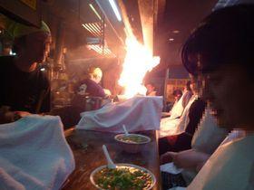 ラーメンから火柱!京都の超有名ラーメン店・めん馬鹿一代でラーメンと共に火柱ショーを楽しもう