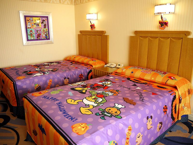 ハロウィーンはディズニーアンバサダーホテルで一層楽しくなる!限定のお部屋とスイーツ大公開