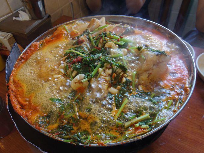 シメのチャーハンが絶品!真鱈の辛い鍋「テグタン」