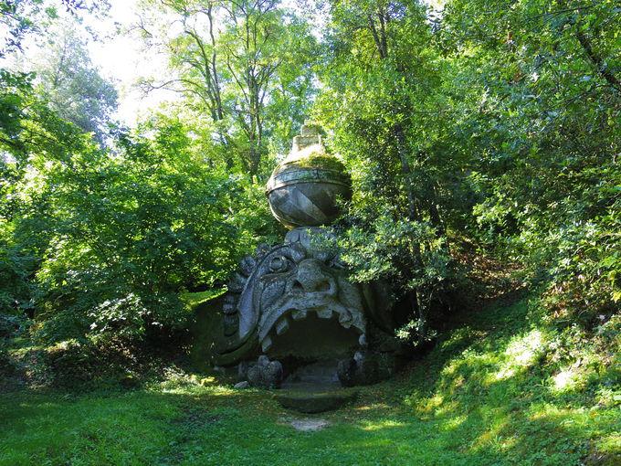 中央イタリア・ウンブリア州ボマルツォ「怪物公園」