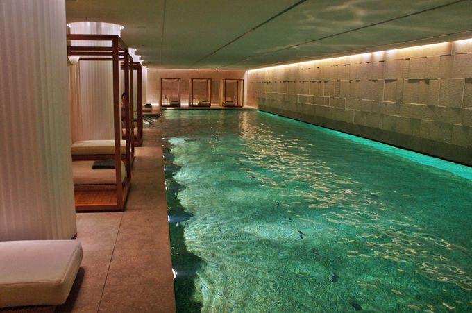 都会のオアシス!ロンドン最大規模のスパ施設とプール