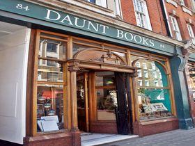 世界で最も美しい書店。英国紳士も愛するロンドン「DAUNT BOOKS」