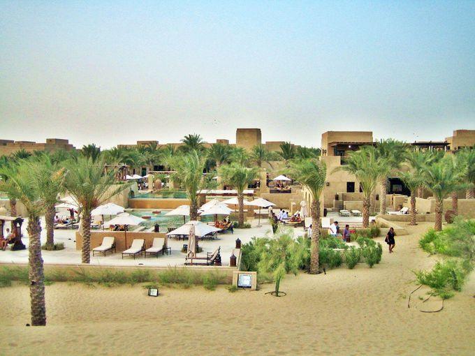 ドバイ空港からのアクセスの良さが魅力の砂漠リゾート!
