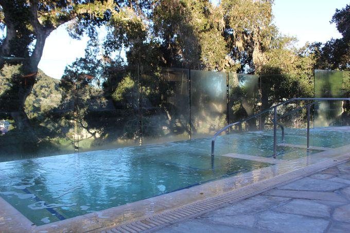真冬でも泳げる温水プールが魅力!