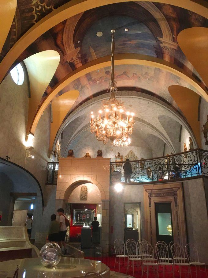 まずはメインのヴェネチアン・グラス美術館と現代グラス美術館から