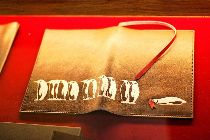 函館在住作家ブランド「ozio」の革小物、バッグ