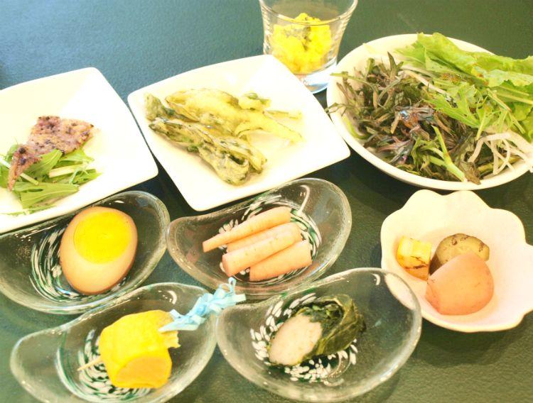 ホテルの推しは「野菜」と「野草」!