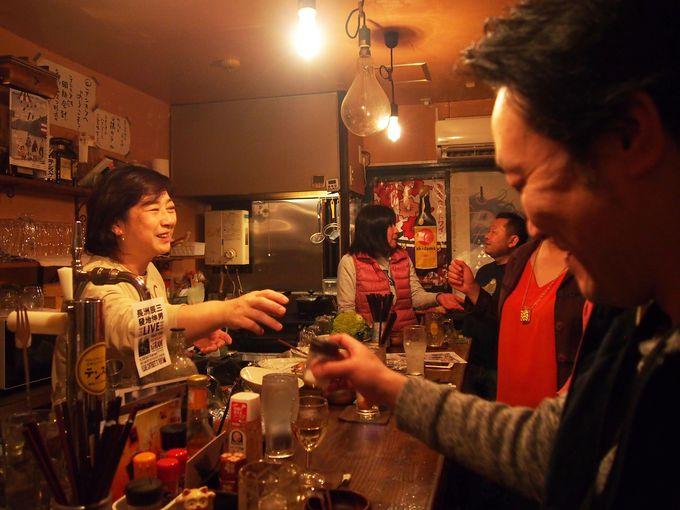 夜は地元食材を使ったつまみをアテに、昼は鎌倉野菜をふんだんに使ったスープを。「テンスケ」